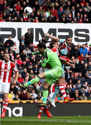 Saturday roundup: Andy Carroll scores
