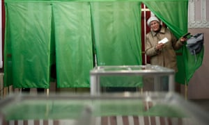 Crimeans go to polls to decide whether the Autonomous Republic of Crimea will join Russia, March 16, 2014. The voting for the referendum on the status of Crimea will continue until 20:00.