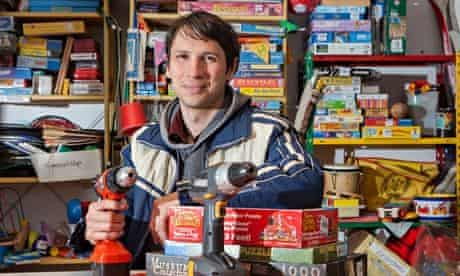 Nikolai Wolfert at borrowing shop