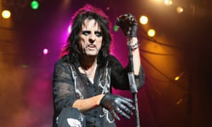 Alice Cooper, keeping the theatrical rock tradition alive