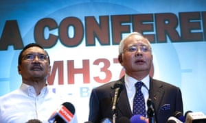 Malaysian prime minister Najib Razak, and his acting transport minister and cousin Hishamuddin Hussein, at a press conference on Saturday.