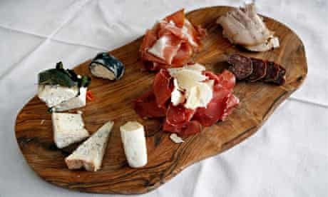 La Langhe Restaurant: cheese and meat board