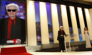 2009: Alain Resnais delivering a speech after winning a special prize award for his 50 year career during the closing Ceremony of the 62nd Cannes Film Festival.