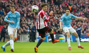 Samir Nasri puts Man City in the lead with an old-fashioned thunderbolt.