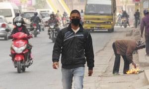 Kathmandu pollution - face mask