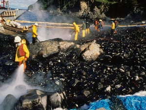 Exxon Valdez oil spill workers and maxi-barge hose beach after Corexit test on Quayle Beach, Smith lsland (Prince William Sound)