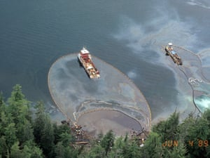 Cleaning beach in Prince William Sound after Exxon Valdez oil spill