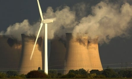 Carbon emissions in UK : Drax coal fired power station and Rusholme wind farm