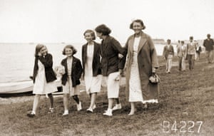 Jane Bown: Jane Bown family at Herne Bay