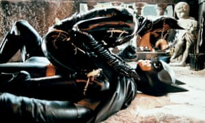 Michelle Pfeiffer & Michael Keaton in 'Batman Returns' (1992). Directed By Tim Burton.
