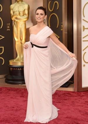 Oscars 2014 red carpet: Penélope Cruz