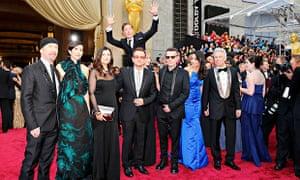 Actor Benedict Cumberbatch photobombs U2