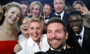 Ellen Degeneres' mega Oscars selfie sent Twitter into a tizzy.
