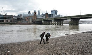 Beach-combing on the Thames - Becky Barnicoat for Do Something