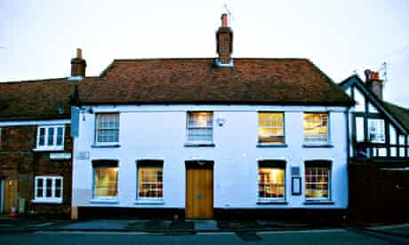 Heston Blumenthal's restaurant The Fat Duck is to be closed for six months for renovations