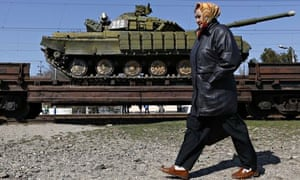 Train loaded with Ukrainian tanks leaving Crimea