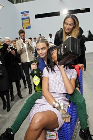 FAMEFLYNET - Celebrities Have Fun In Chanels Supermarket At Paris Fashion Week