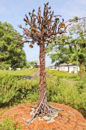 Peace tree by Manfred Zbrzezny