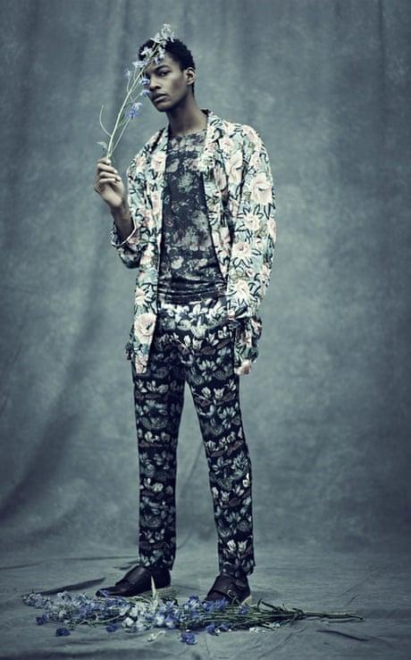 37fa5b95a0001 Can men wear florals