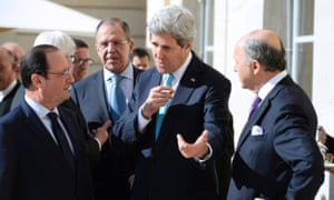 John Kerry and Hollande in Paris