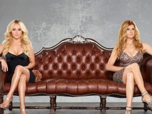 Hayden Panettiere as Juliette Barnes and Connie Britton as Rayna Jaymes.