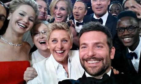 Ellens Oscars Selfie Most Retweeted Ever And More Of Us Are - David cameron tweets phone obama selfie celebrities create parodys