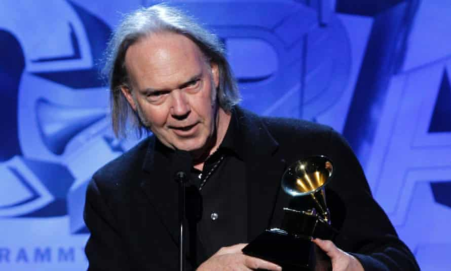 Neil Young will unveil PonoPlayer during his keynote speech at SXSW.