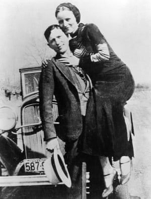 Portrait of American bank robbers Clyde Barrow and Bonnie Parker, circa 1933.