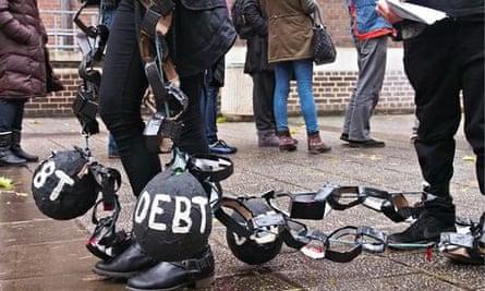Students protest over selingl off student loan debts