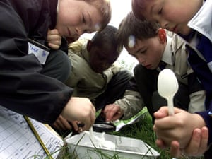 Year 5 pupils from St Edmunds School in north London, studying waterways with on a geography field trip