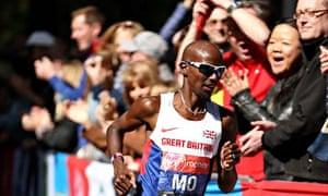 Mo Farah  runs London Marathon