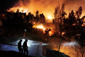 The Chilean authorities evacuated thousands and sent in aircraft to battle the blaze.
