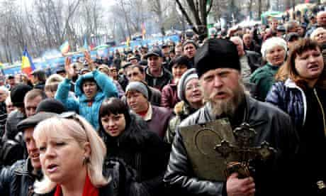 Pro-Russian supporters at a rally for activists in Lugansk, Ukraine