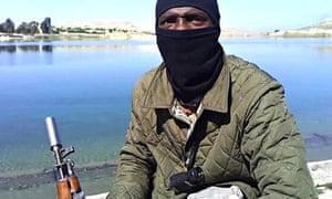 Masked al-Qaida fighter's video - 'former Arsenal player'