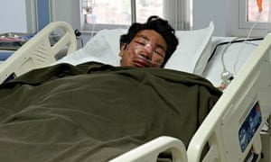 Everest avalanche leaves Sherpas counting dead and considering future