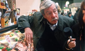 Derek Cooper conducting an interview for The Food Programme in 1999.