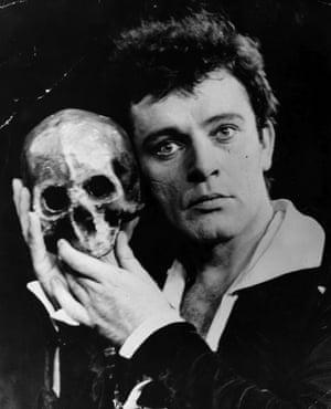 In 1953 Richard Burton played Hamlet at the Edinburgh festival