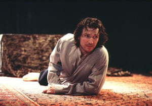 Ralph Fiennes as Hamlet at the Hackney Empire in 2005