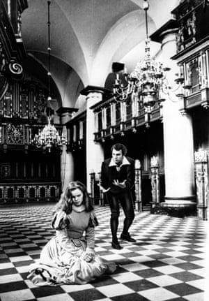 Christopher Plummer and Jo Maxwell Muller in Hamlet