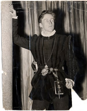 Richard Briers As Hamlet. Theatrical Play 'hamlet' At The Duthy Hall Southwark London 1956