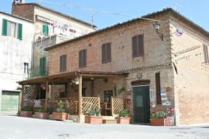 Locanda Paradiso, Chiusure, Tuscany