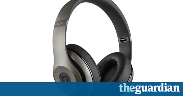 beats studio wireless review expensive headphones with lacklustre sound technology the guardian. Black Bedroom Furniture Sets. Home Design Ideas