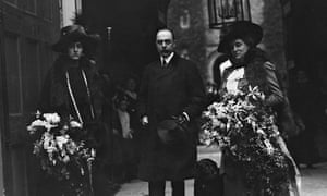Vita Sackville-West with her father Lionel and mother Victoria.