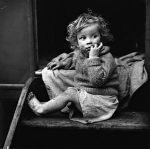 Jane Bown Gypsy child