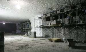 This 1,100-acre underground storage facility, said to be the world's biggest, maintains a temperature of 18-21 degrees year round which is why the US Postal Service keeps its collectible stamp collection here. Plans are afoot to farms mushrooms and store crude oil.
