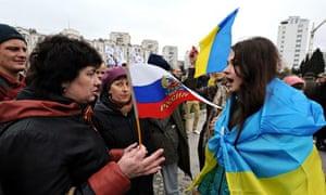 Pro-Russian and pro-Ukrainian activists argue