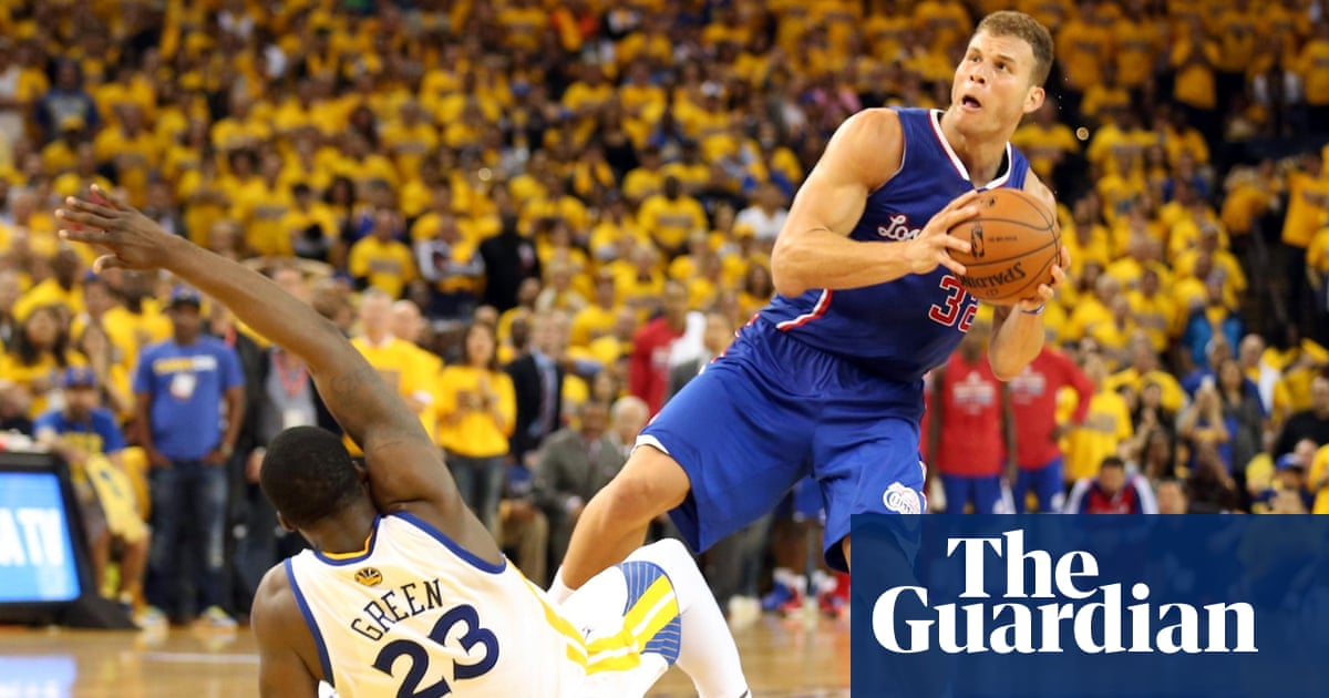 ce8e664039b Clippers take NBA playoffs lead on controversial no-call