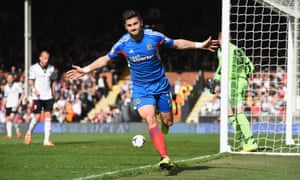 Shane Long equalises for Hull - a big blow for Fulham in the relegation battle.