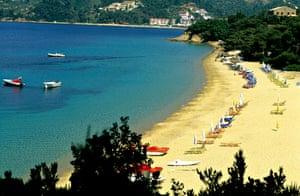 Vromolimnos beach.