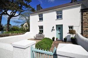 Cool Cottages:Lleyn : Peveril, Morfa Nefyn, exterior